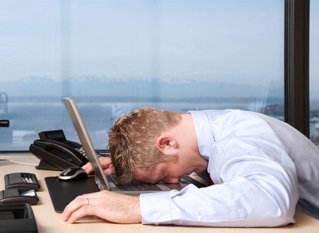 trabajador-cansado